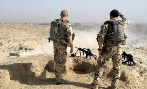De Maizière promises to equip soldiers better