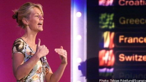 Swedish UK TV star warned over phone hacking