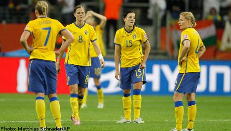 Swedes undone by rampant Japan