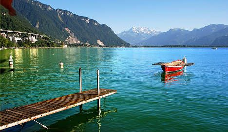 Tourists flock to Swiss B&Bs