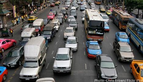 June figures dip in strong auto market