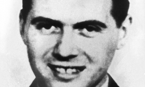 Notorious Nazi's diaries to be auctioned
