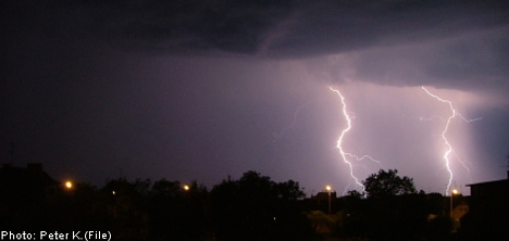 Thunderstorms disrupt train schedules