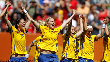 Sweden ease through to World Cup semi-final