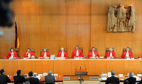 Top court hears challenge to EU bailouts