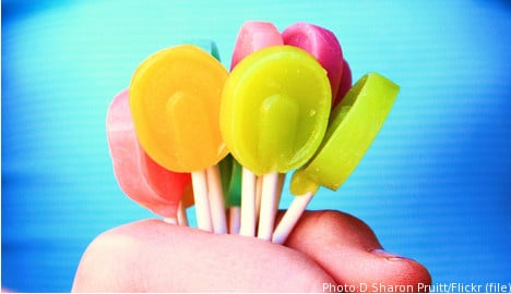 Council targets rowdy revellers with lollipops