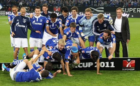 Schalke edge Dortmund to take Super Cup