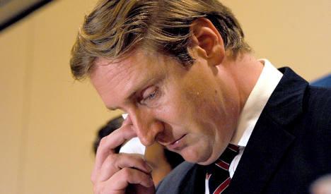 Top CDU man resigns over love affair with teen