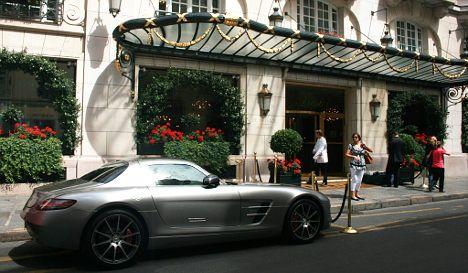 Carjackers targeting wealthy Parisians
