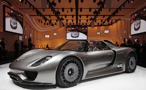 Porsche wants piece of Ferrari market