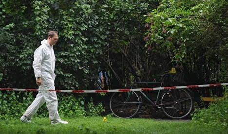 Pipe bomb hurts man at Berlin park