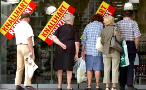 Consumer confidence hits year's low