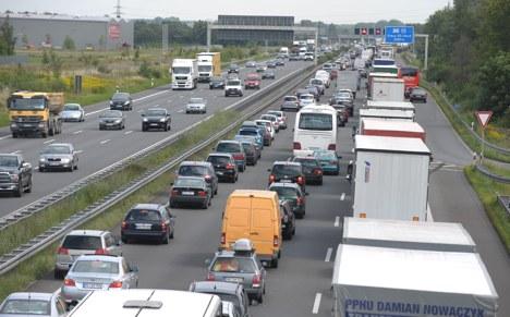 One killed in bus crash on motorway