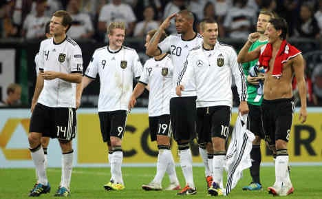 Germany seal spot in Euro 2012 finals