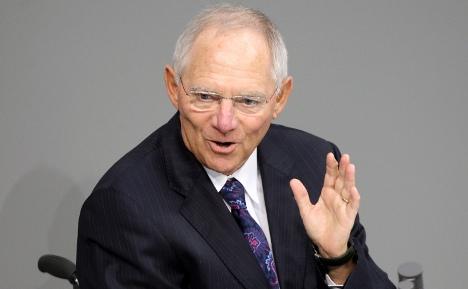 Schäuble pressures Greece to tackle debt