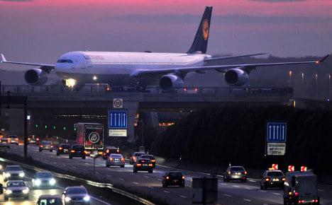 Lufthansa agrees to sell British Midland