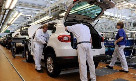 German carmakers plan hiring spree for 2012