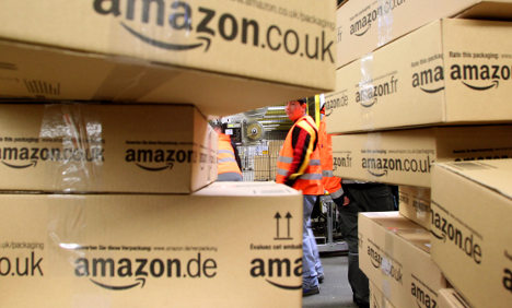 Amazon under fire for unpaid Christmas helpers