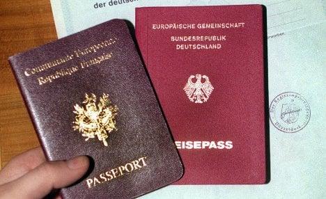 Effort to ease dual citizenship fails