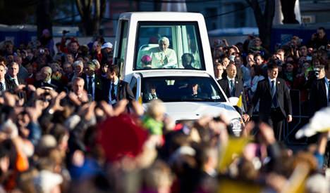 Pope escapes German seat belt fine