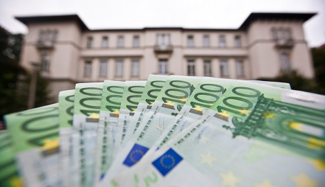 Fear of inflation grows as faith in euro falls