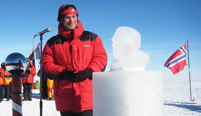 Stoltenberg unveils Amundsen ice sculpture 100 years on