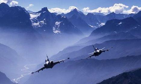 Switzerland probes fighter jet leak