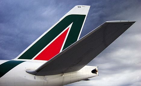 Alitalia hopes to merge with Air France: report