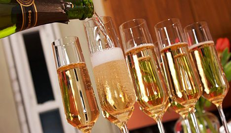 Italian fizz overtakes champagne