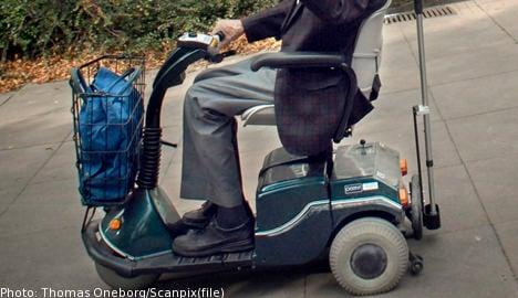 Legless man in surprise wheelchair reversal