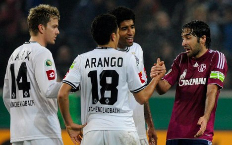 Gladbach kick Schalke out of German Cup