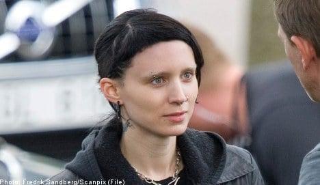 'Tattoo' star Rooney Mara laughs off 'bush' wig
