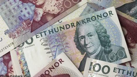 Sweden cuts interest rate amid eurozone worries
