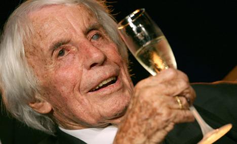 Hitler's favourite singer dies aged 108