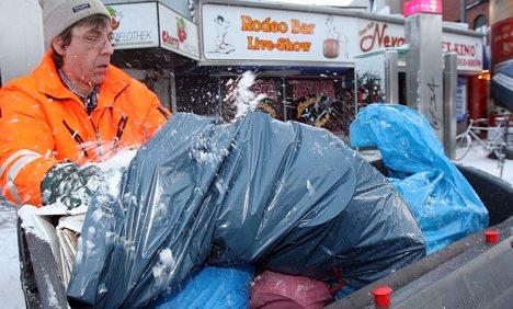 Man calls police over 'rubbish' presents