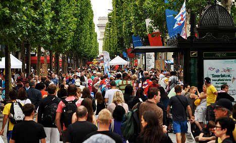 Champs-Elysées fails to shine in global survey
