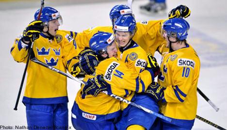 Sweden's hockey juniors beat Finland in semi-final