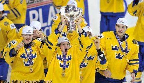 Swedish juniors claim hockey gold