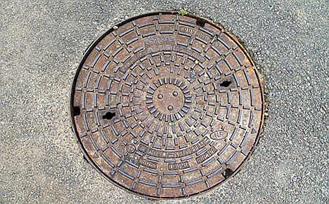 Man spends nine hours stuck in sewer