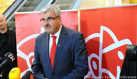 Juholt resigns as Social Democrat leader
