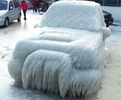 Ice freezes transport in Switzerland