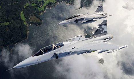 Swiss stick with Swedish jets to replace fleet
