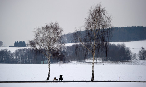 Snow and ice spread across the country