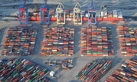 Exports top €1 trillion despite euro crisis