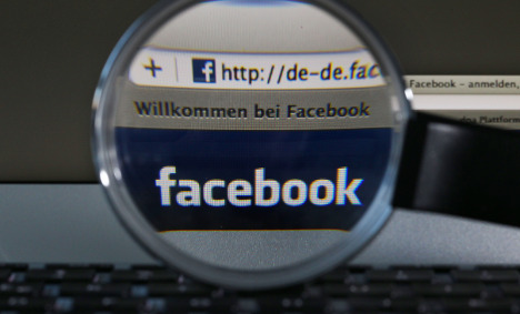 Judge to confiscate Facebook account