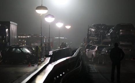 Rhineland autobahn fire causes pile-up, kills one