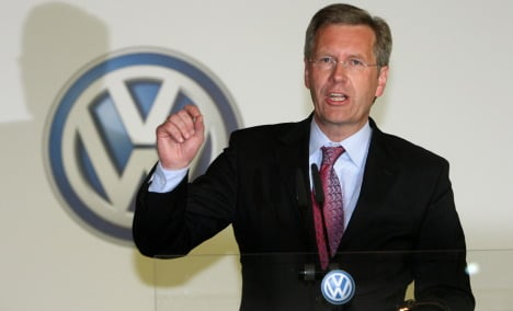 Wulff under fire over car lease deal