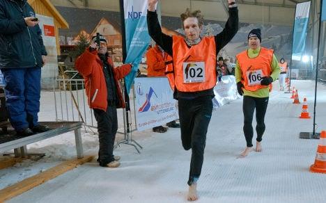 Barefoot snow runner sets 5km world record
