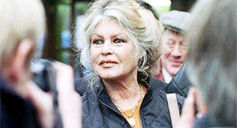 Brigitte Bardot offers support to Le Pen