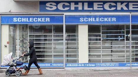 Schlecker drugstore to close half its shops
